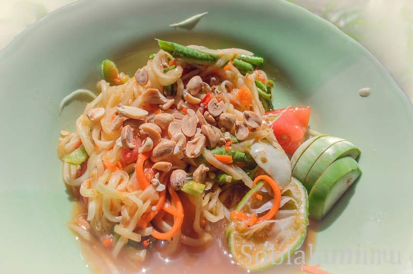 Тайский салат из папайи Сом Там: простой рецепт с фото