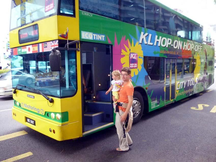 """Экскурсии нон-стоп: плюсы и минусы автобусов """"Hop-on Hop-off"""" в Куала-Лумпуре"""